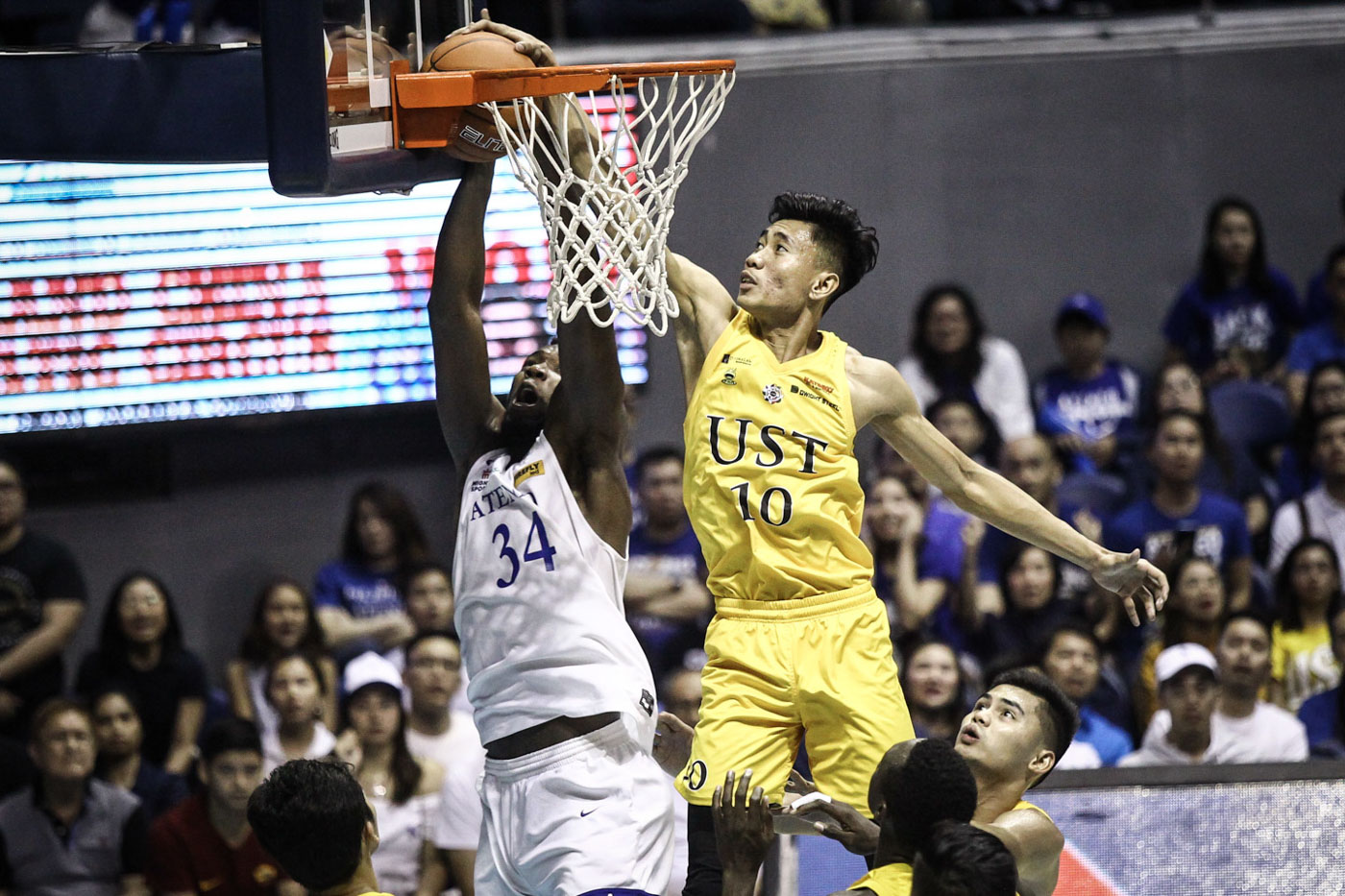 BAD NIGHT. UST standout Rhenz Abando finishes with his worst game, tallying only 3 points on a 1-of-5 clip. Photo by Josh Albelda/Rappler