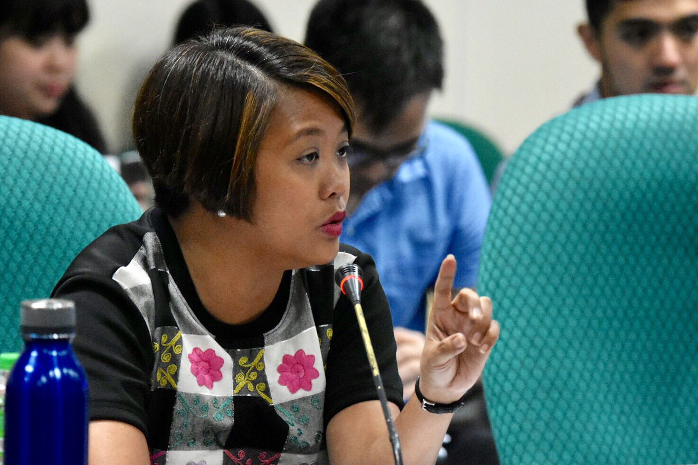 BEAUTY. Senator Nancy Binay jokes that beauty is her strength as a candidate, following her high ratings in pre-election surveys. Photo by Angie de Silva/Rappler