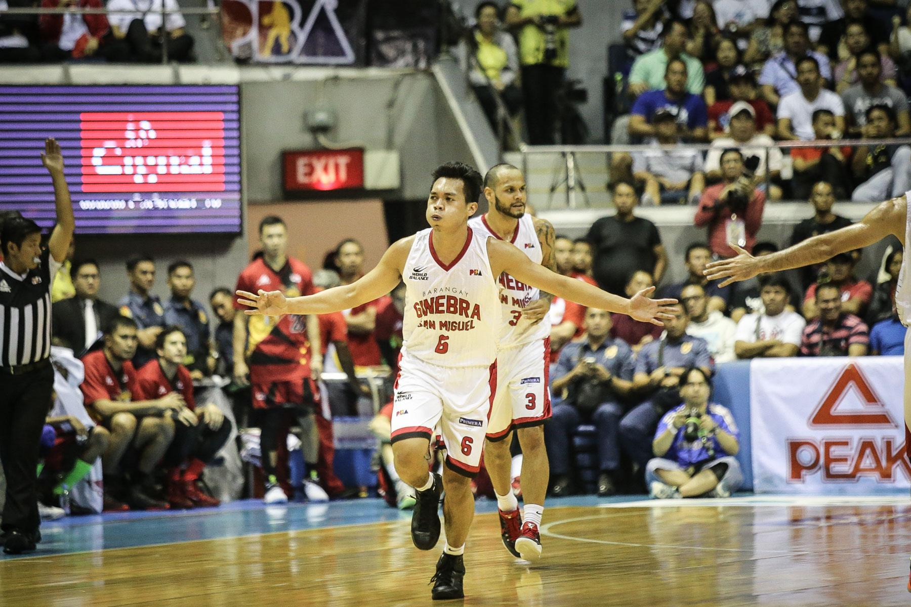 STAR ROOKIE. Scottie Thompson explodes for a career-high 24 points. Photo by Josh Albelda/ Rappler