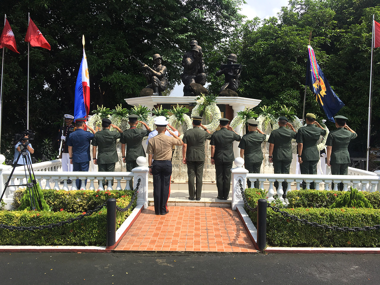 THE FEW, THE PROUD. AFP chief General Carlito Galvez Jr leads a wreath-laying ceremony to remember the heroism of 36 Marines killed in the 2017 Marawi siege. Photo by Carmela Fonbuena/Rappler