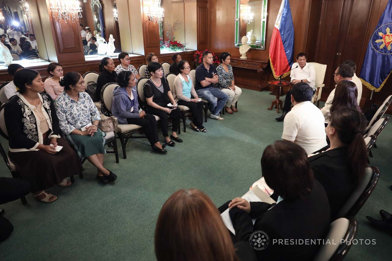 SEARCH FOR JUSTICE. President Rodrigo Duterte meets with kin of Maguindanao massacre victims in Malacau00f1ang. Malacau00f1ang photo