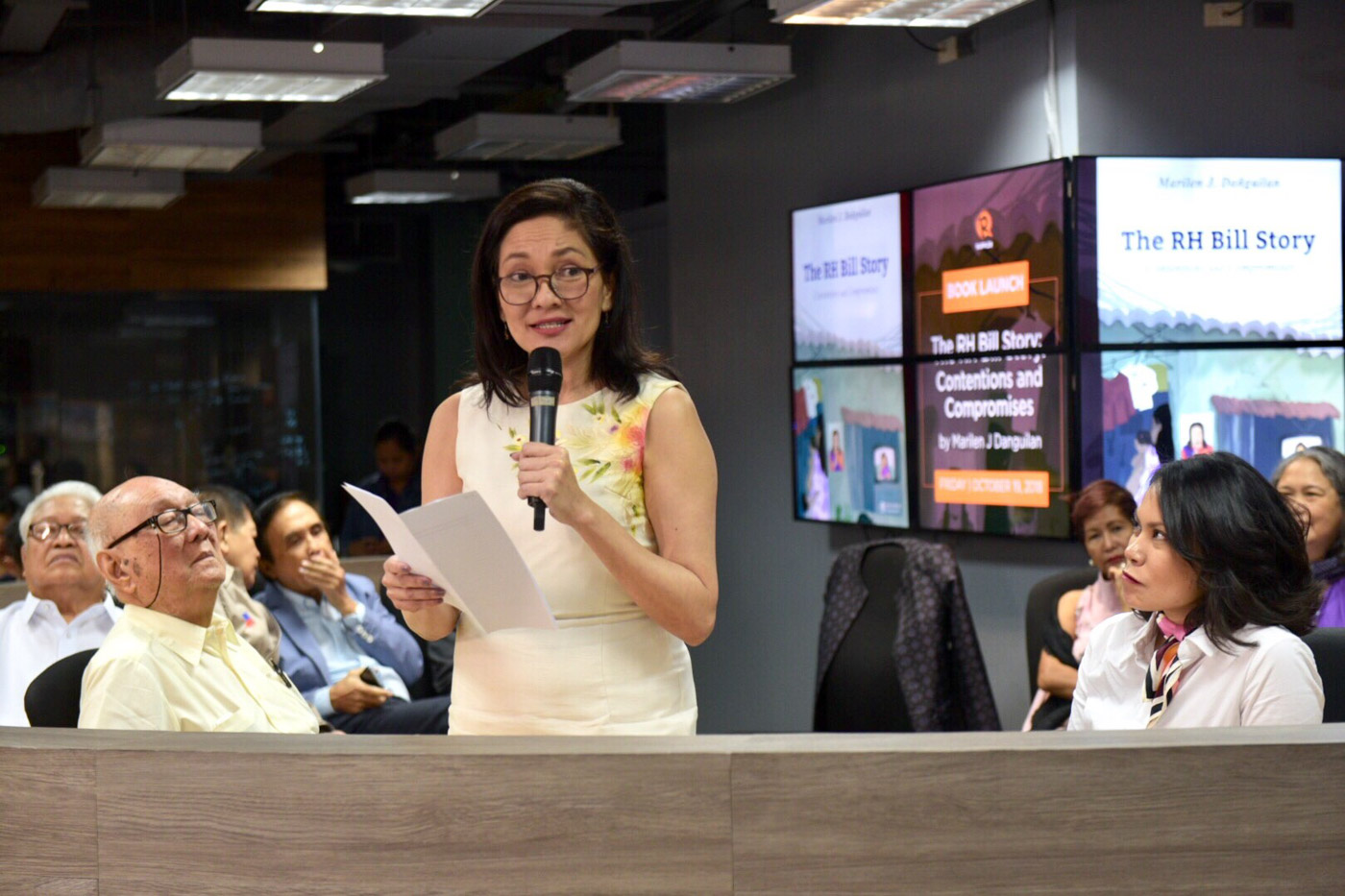 WOMEN'S RIGHTS. Senator Risa Hontiveros delivers her speech during the launch of 'The RH Bill Story: Contentions and Compromises.' Photo by Leanne Jazul/Rappler