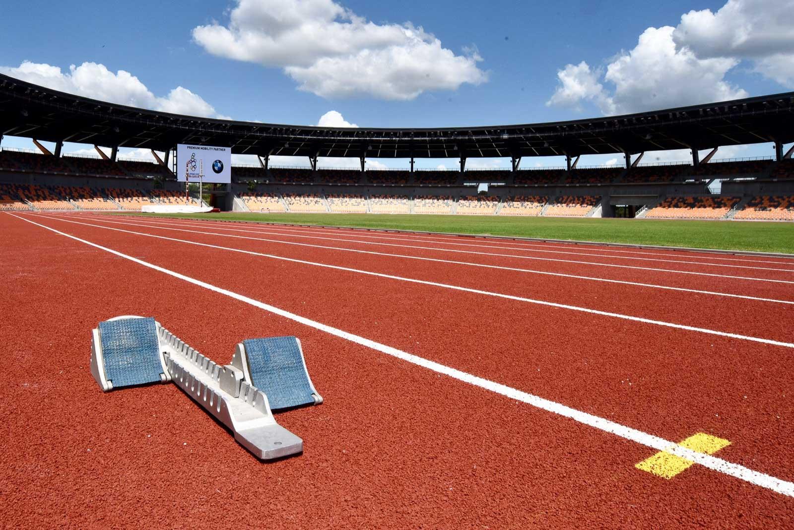 WORLD-CLASS. The athletics stadium has a 400-meter standard track and a 9-lane world-class track and field facility. Photo by Angie de Silva/Rappler