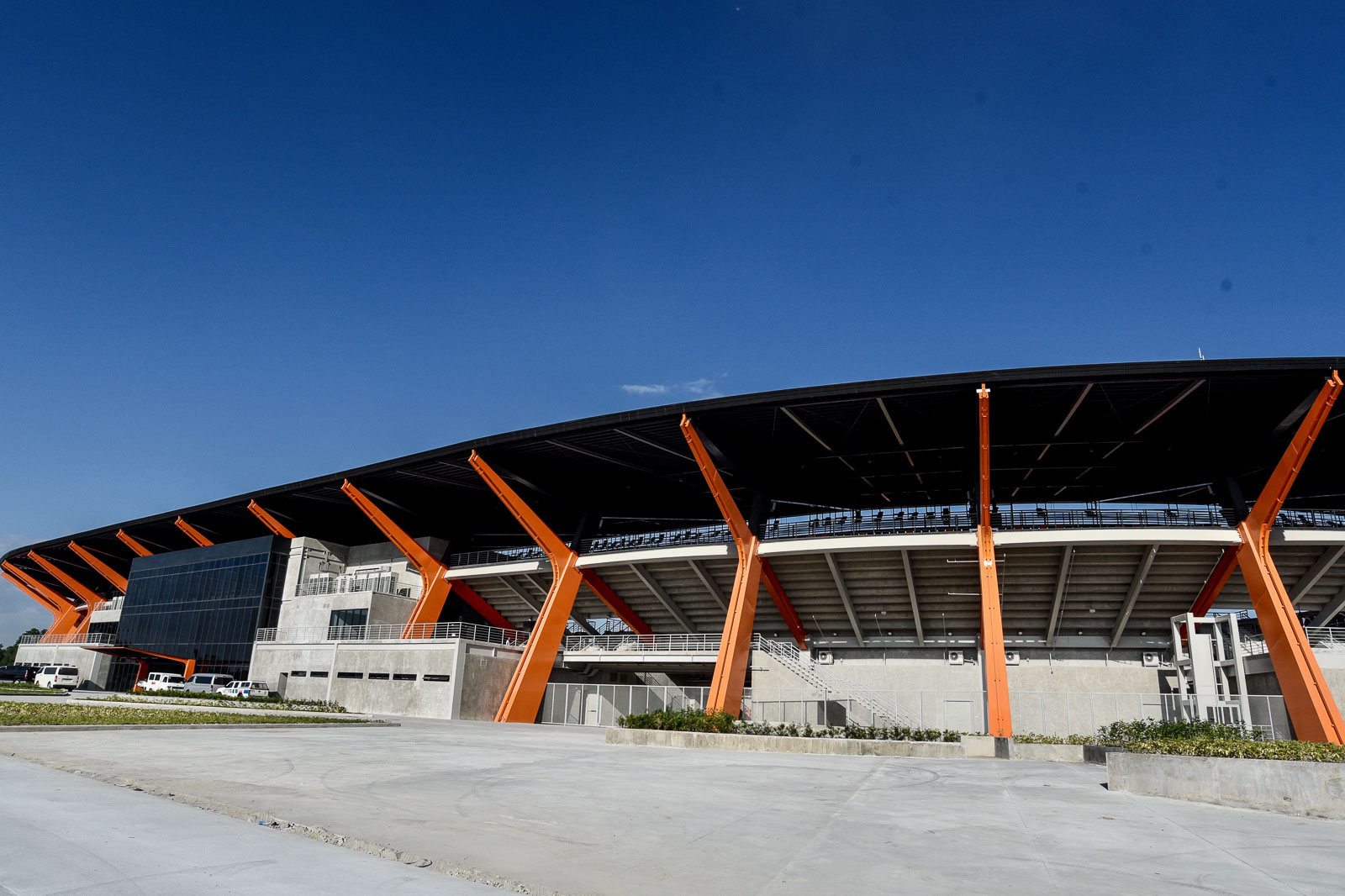 PINATUBO-INSPIRED. The design of the athletics stadium is inspired by the crater of Mt Pinatubo, the contours of the Sierra Madre mountain ranges, and the classic Filipino parol or Christmas lantern. Photo by Angie de Silva/Rappler