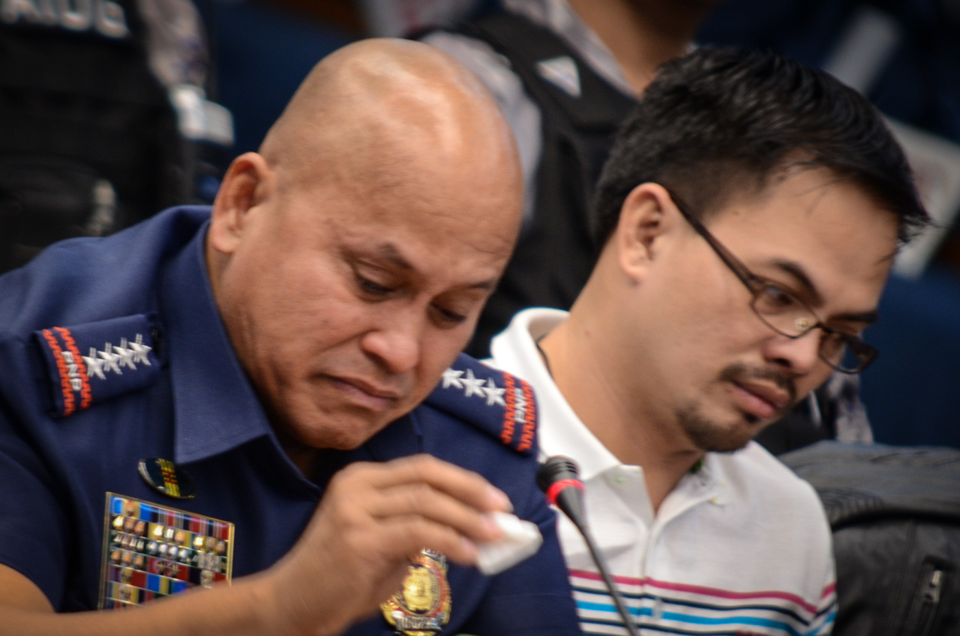 EMOTIONAL. In this file photo, PNP chief Director General Ronald dela Rosa turns emotional at the Senate inquiry into the death of Albuera Mayor Rolando Espinosa Sr, November 23, 2016. File photo by LeAnne Jazul/Rappler