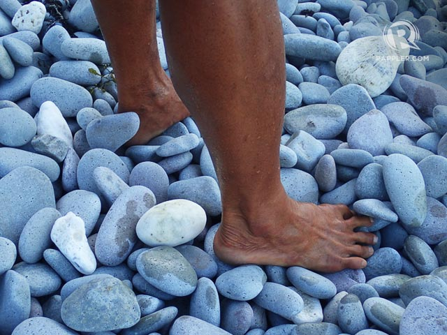 BAREFOOT WALKING. Let your feet be massaged by the stones of Lantangan