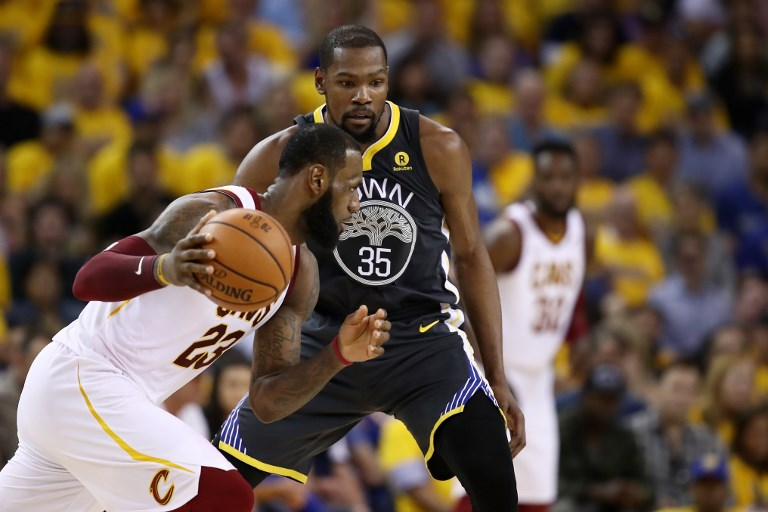 HOMECOURT. As LeBron James and the Cavaliers head home to Cleveland, expect Game 3 to u2018go crazy.u2019  Photo by Ezra Shaw/Getty Images/AFP