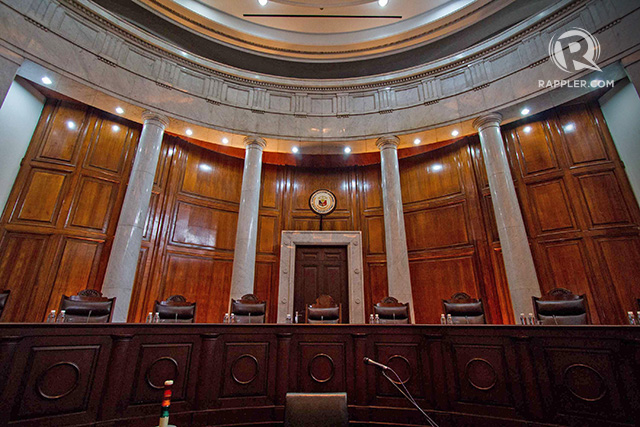 The Supreme Court (SC) hears the oral argument against Torre de Manila filed by the Knights of Rizal on July 21, 2015. Photo by Mark Saludes/Rappler