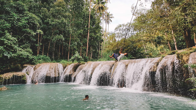TAKE THE LEAP. Cambugahay Falls in Siquijor
