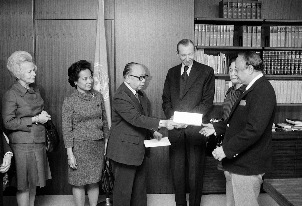 WOMEN'S RIGHTS. In this file photo, Letty Ramos-Shahani (2nd from left) is seen with top diplomats led by then foreign secretary Carlos Romulo (3rd from left) at the UN headquarters in New York in October 1974. File photo from UN
