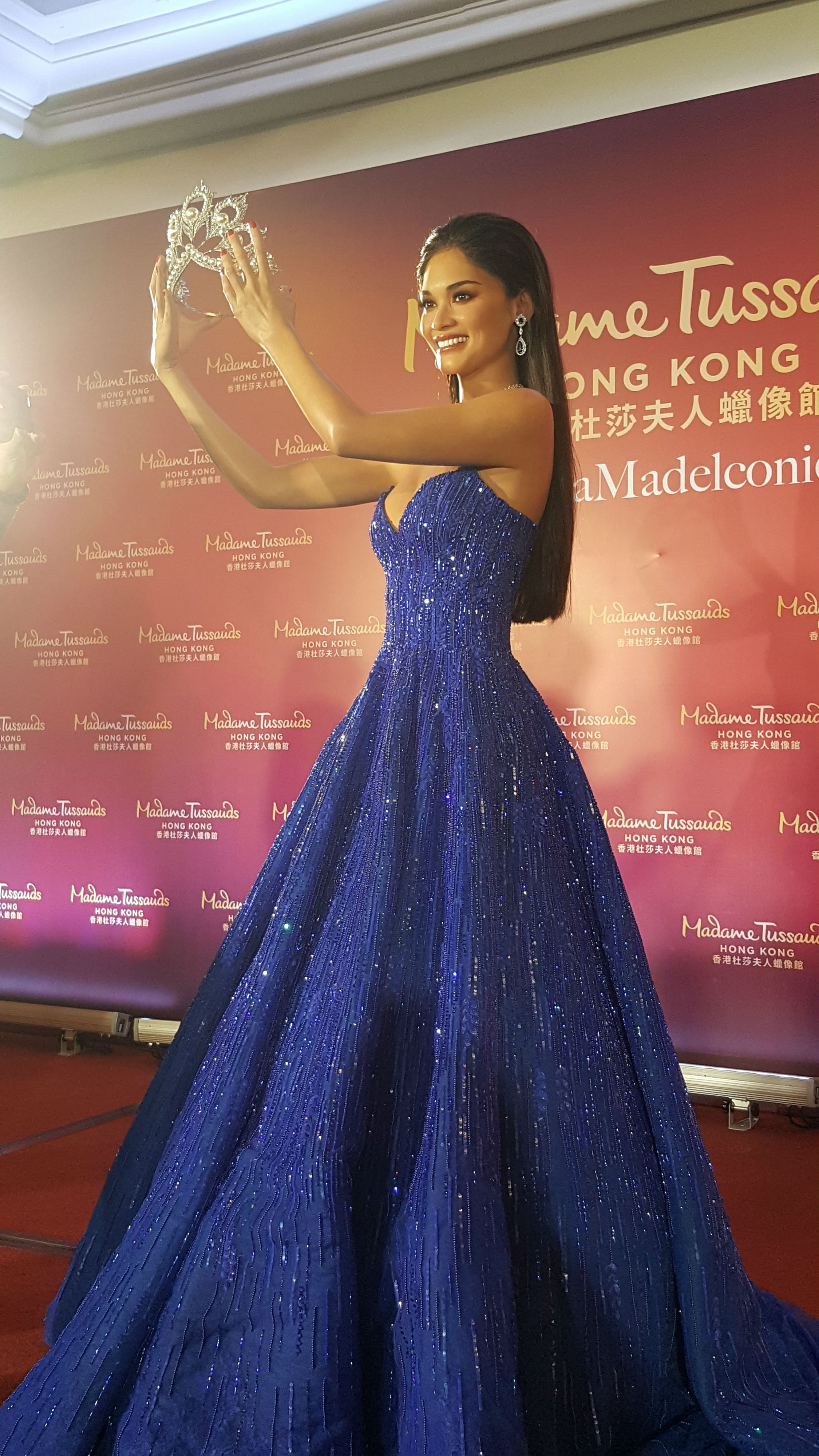 WAX FIGURE. The wax figure of Pia Wurtzbach holding the Mikimoto crown which will be displayed in Madame Tussauds Hong Kong. Photo by Alexa Villano/Rappler