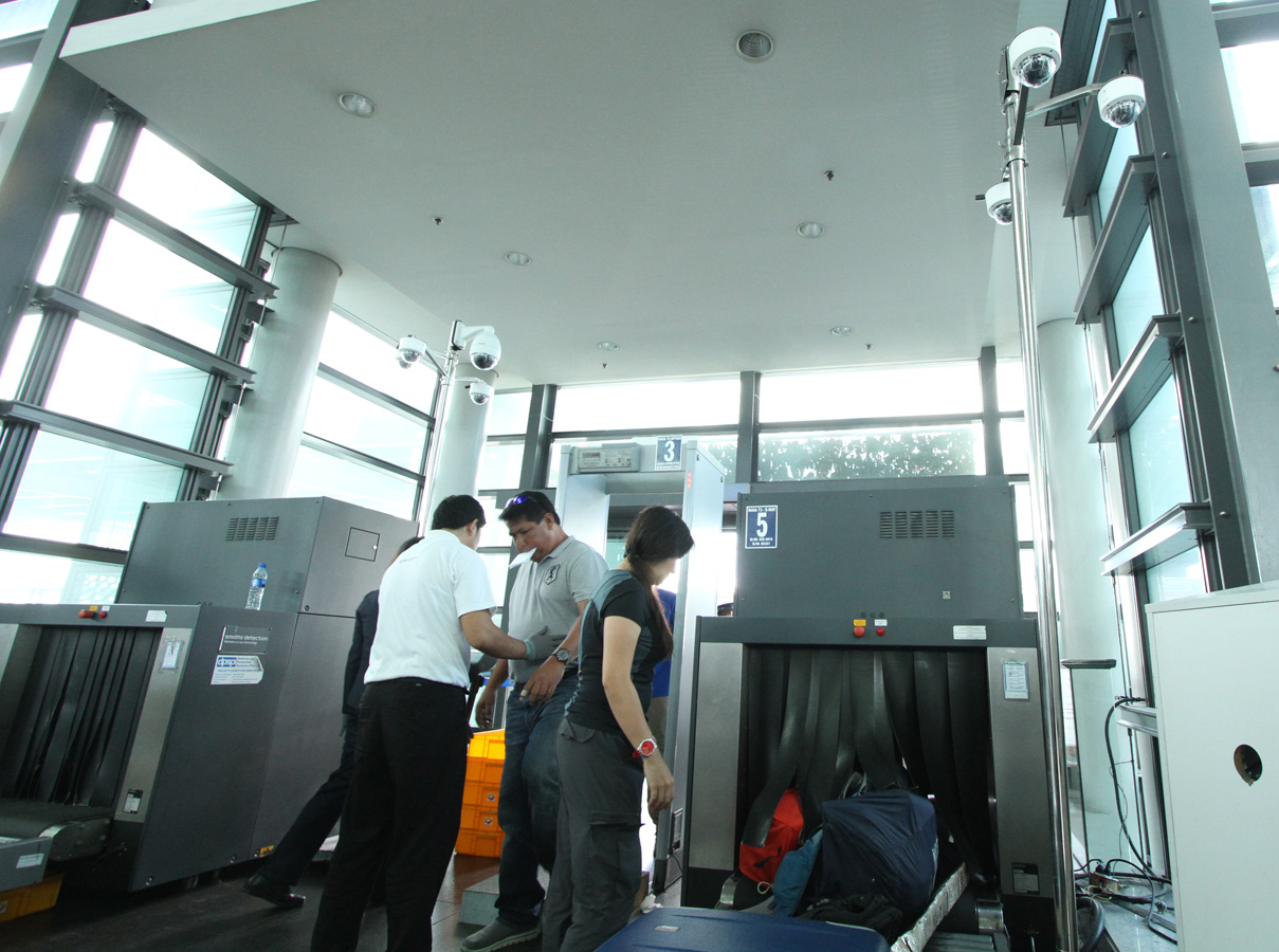 ADDED CHECK. CCTV carmeras are installed at X-Ray stations in NAIA 3. Photo by Jedwin M Llobrera/ Rappler