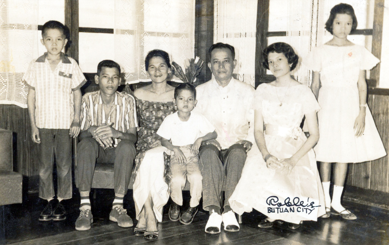 THE DUTERTES. The teenage Rody Duterte (second from left) with his family, including younger sister Jocellyn (rightmost). Photo courtesy of Davao City government