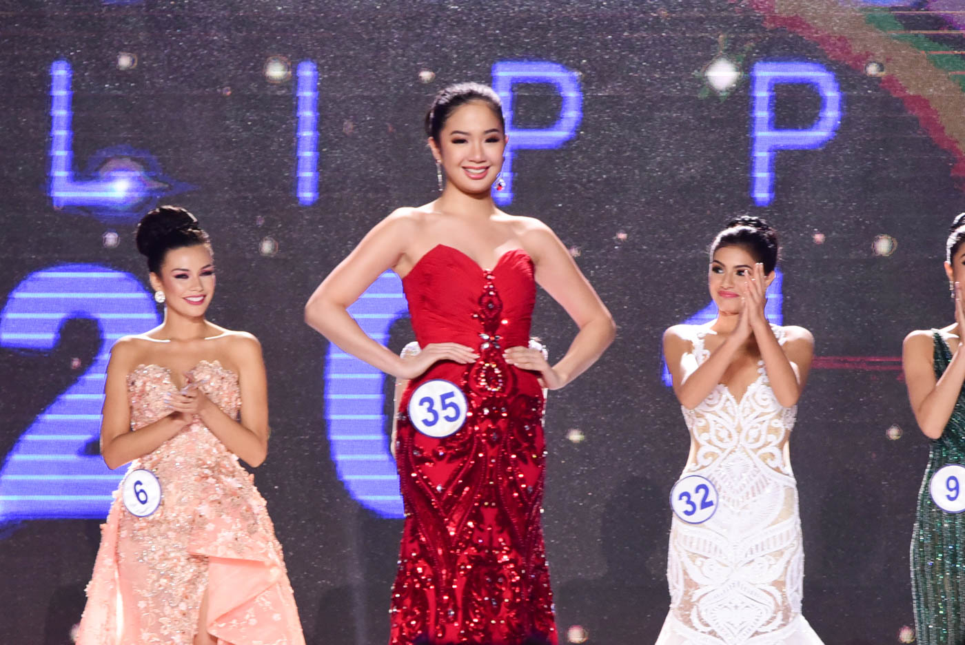 SURPRISE WINNER. Sophia Seronon wins a crown despite not having training and being shorter than the average beauty queen. Rappler photo