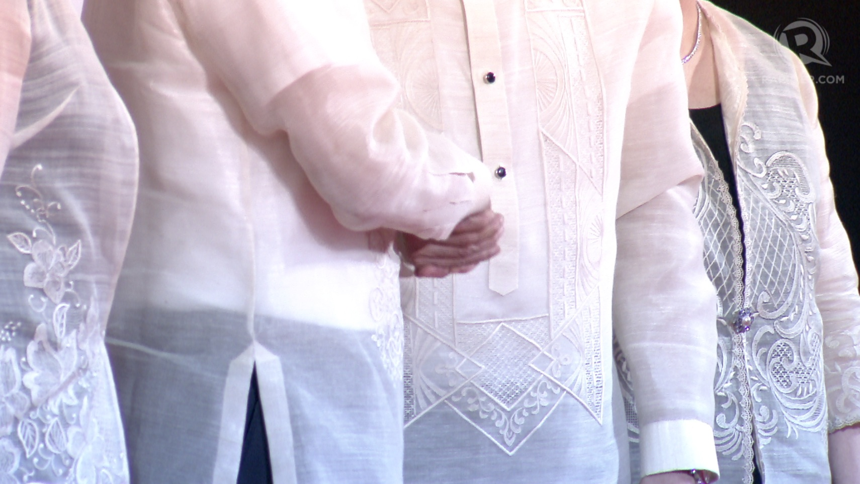 DETAILS. The embroidery on the Paul Cabral's barong designs. Rappler screengrab