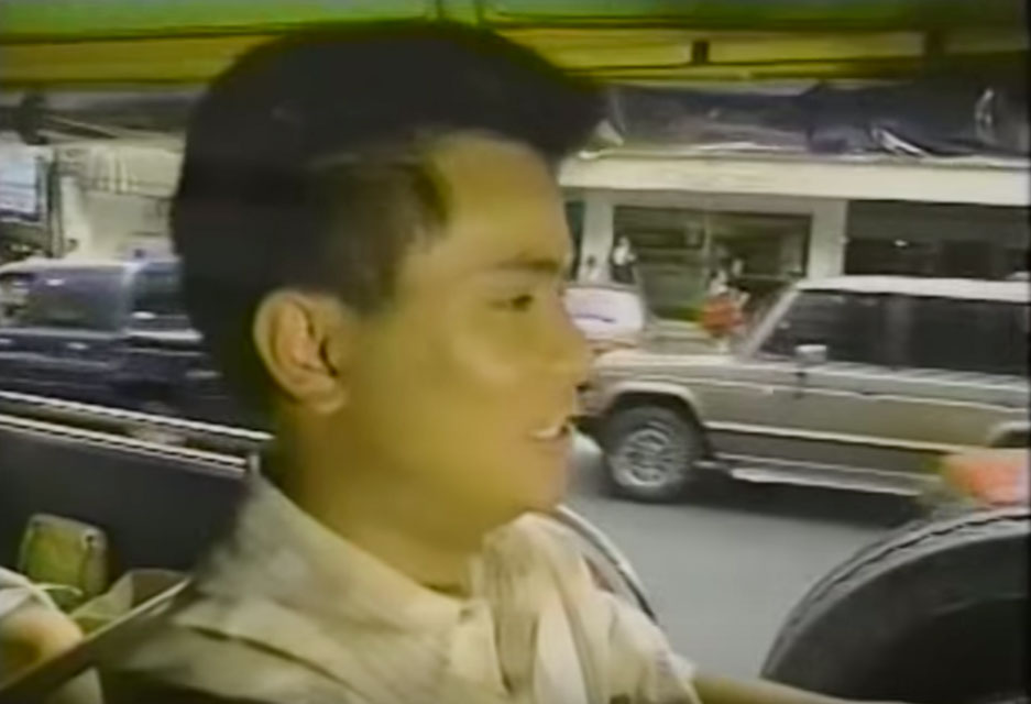 GUIDE. Ogie as Manolo during the 1994 Miss Universe pageant in Manila. Screengrab from YouTube/From Chile