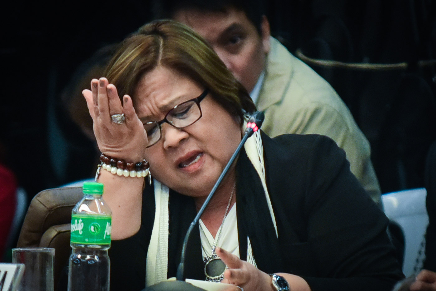 DESPAIR. The Senate committee on public order and dangerous drugs and the committee on justice and human rights resume their probe on December 5, 2016. Senator Leila de Lima despairs. Photo by LeAnne Jazul/Rappler