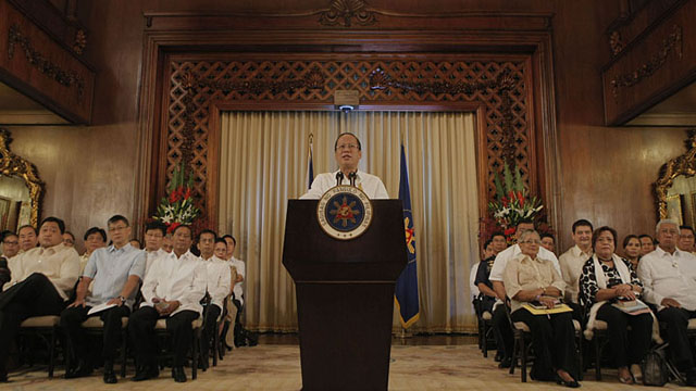 President Aquino delivers his nationally televised speech on the preliminary peace deal with MILF in Malacau00f1an Palace. Cabinet members join him. Malacau00e3ng Photo bureau.