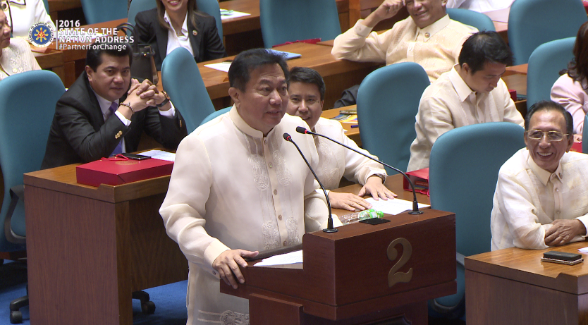 READING THE CONSTITUTION. House Speaker Pantaleon Alvarez says the Constitution must be read as is. File photo