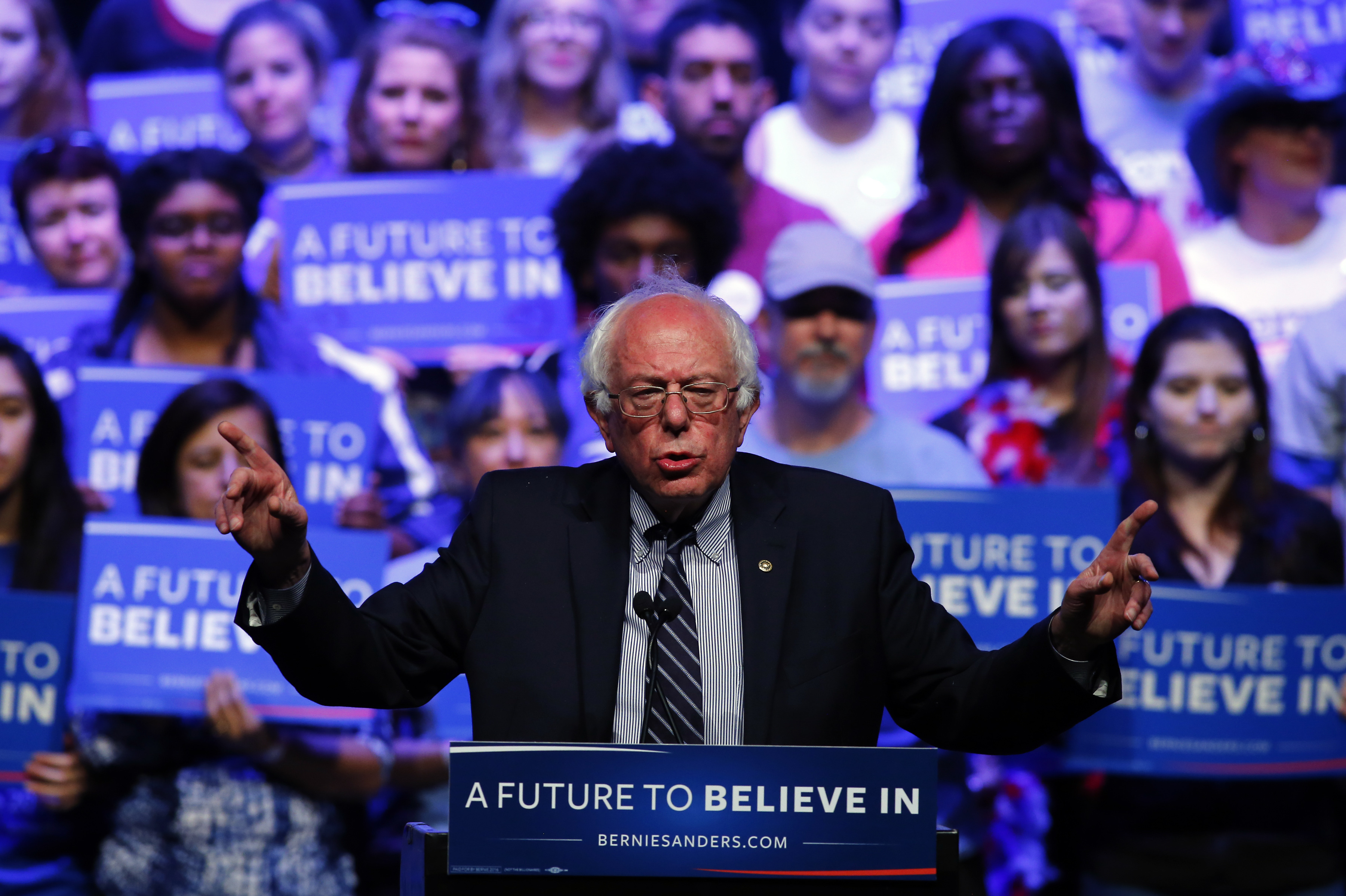 UNFAZED. Vermont Senator and Democratic presidential candidate Bernie Sanders speaks at a campaign rally in Grand Prairie, Texas, USA, February 27, 2016. Photo by Mike Stone/EPA