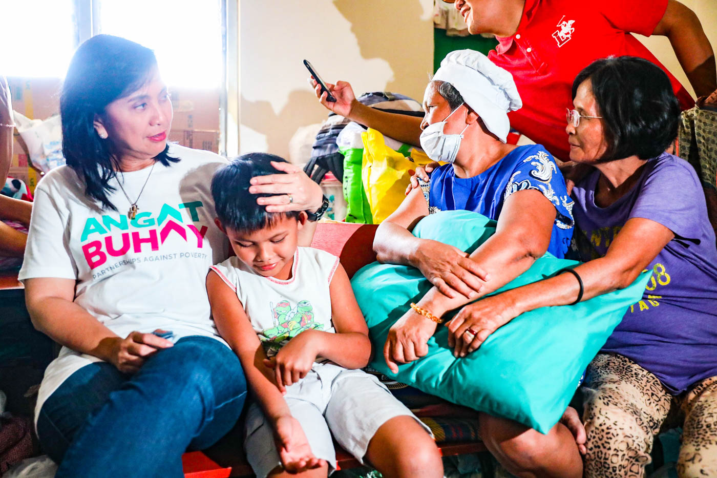 COMPASSION. Vice President Leni Robredo talks to some evacuees staying at the Kaylaway Elementary School in Nasugbu, Batangas on January 21, 2020. Photo by Charlie Villegas/OVP
