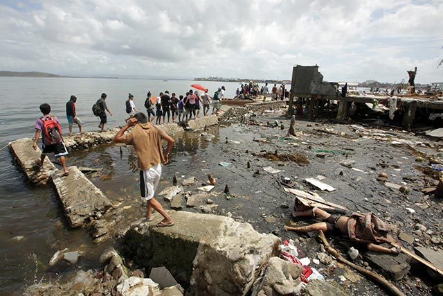 DEADLY. Yolanda has left an estimated 10,000 dead in Leyte alone, according to the the regional police office. Photo by Francis Malasig/EPA