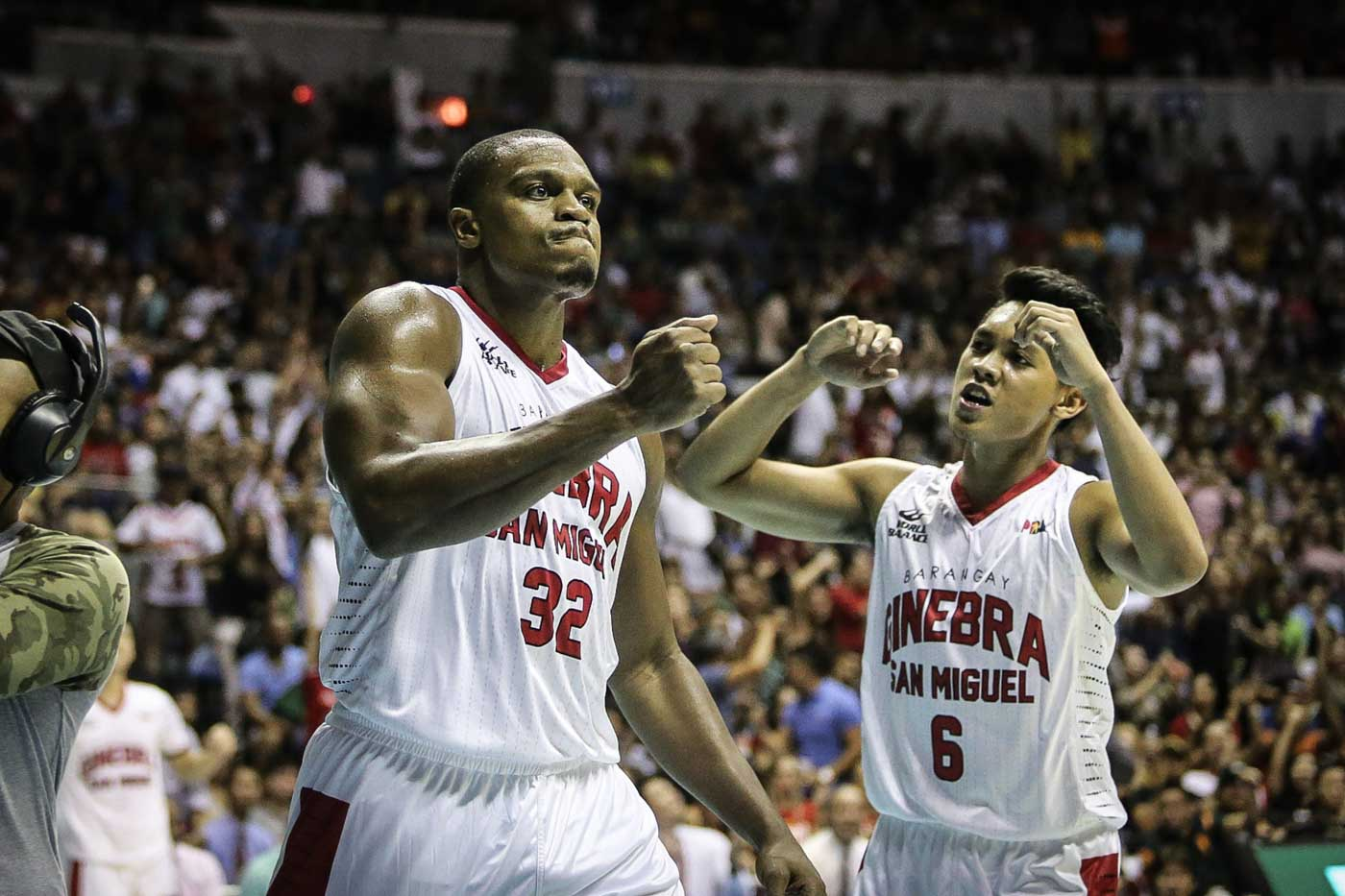 EMOTION. Justin Brownlee and Scottie Thompson celebrate a basket. Photo by Josh Albelda/Rappler