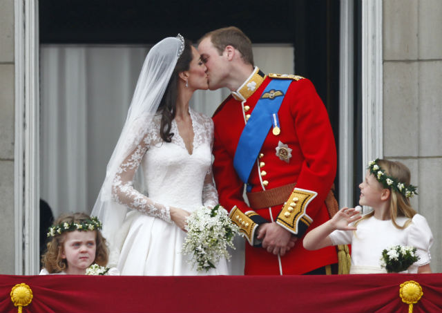 A MOST MEMORABLE DAY. The newly-wed couple Catherine, Duchess of Cambridge and Prince William, Duke of Cambridge kiss on the balcony of Buckingham Palace in London, Britain, 29 April 2011, after their wedding ceremony. File photo by Kerim Okten/EPA