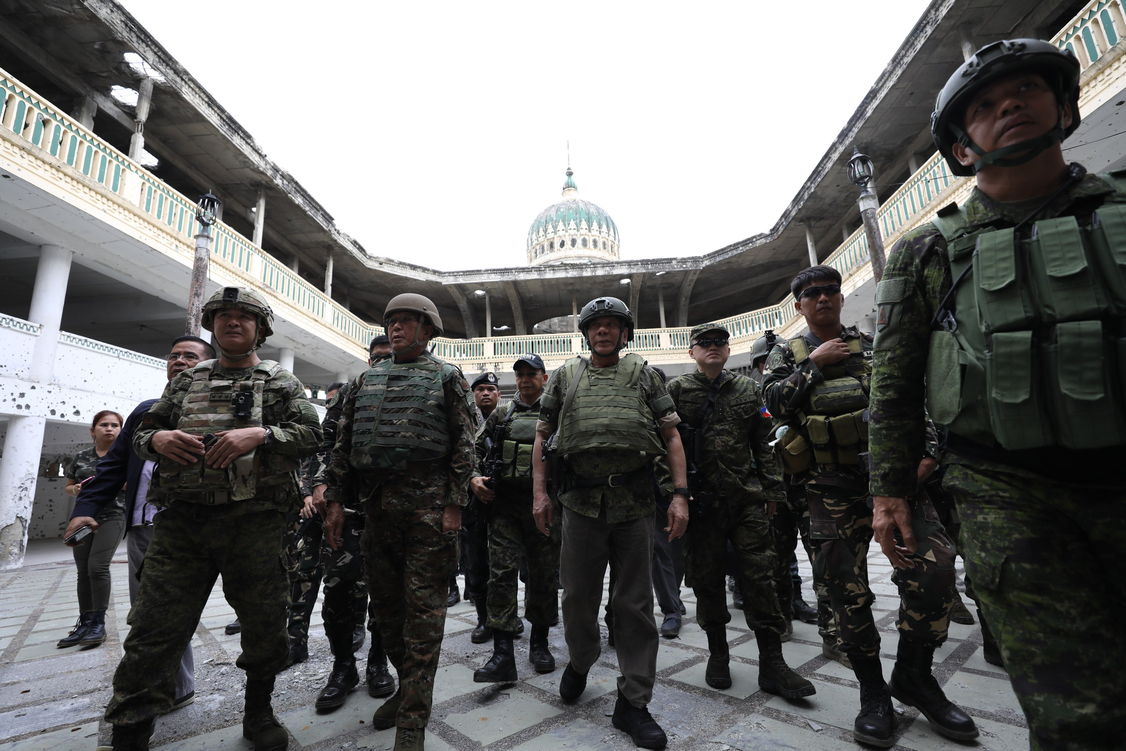 BACK IN MARAWI. President Duterte visits a mosque retaken by government forces from terrorists in Marawi. Presidential photo