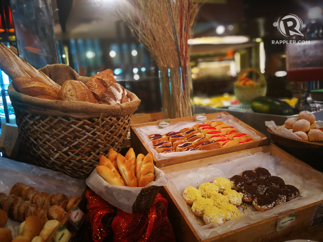 BREAD STATION. Just one of the many food choices at Unou00e2u0080u0099s buffet.