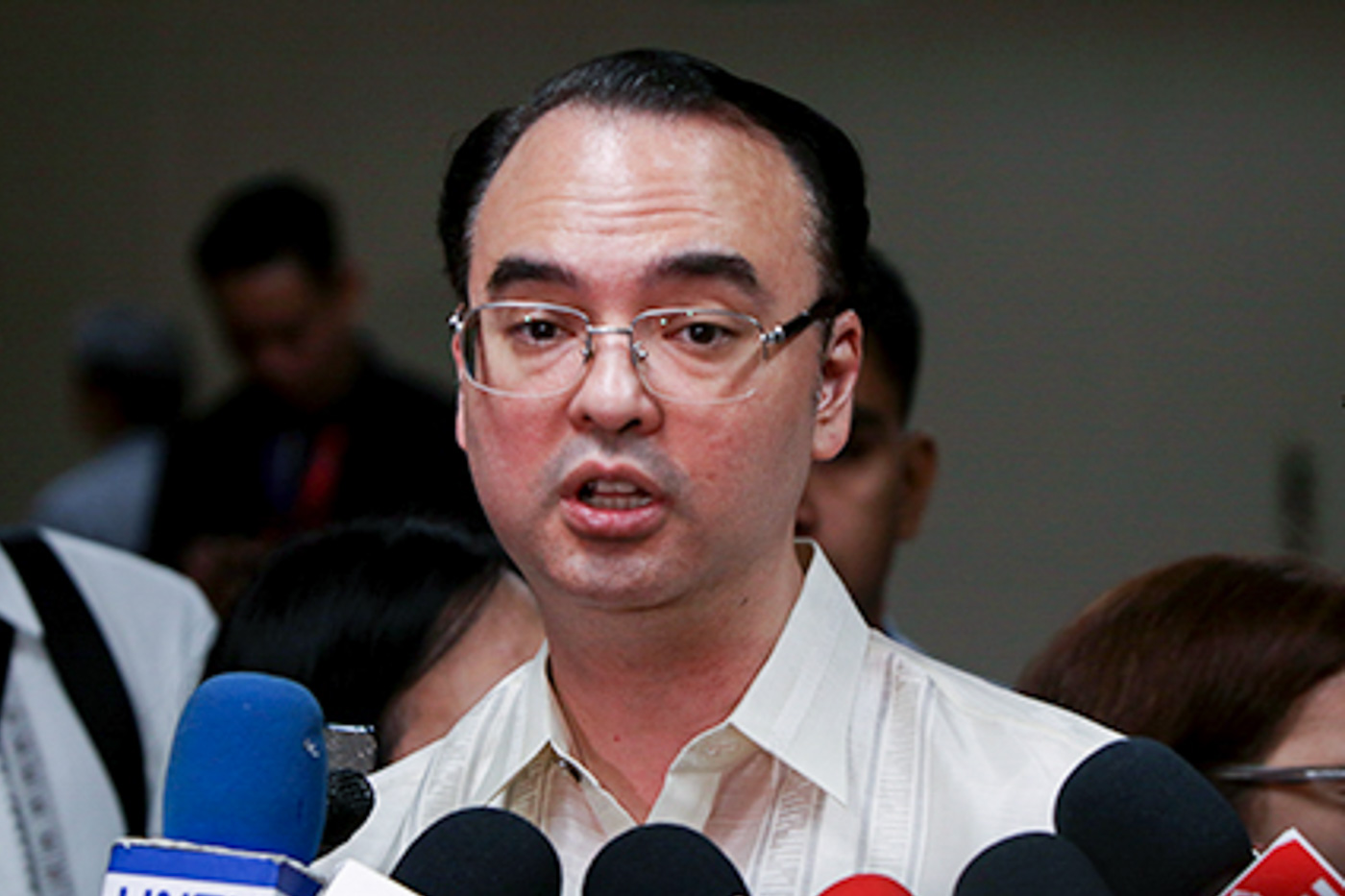 INCOMING DFA CHIEF. Senator Alan Peter Cayetano grants an interview with reporters on May 17, 2017, after he hurdled his confirmation hearing as DFA chief for only 3 minutes. Photo by Lito Boras/Rappler