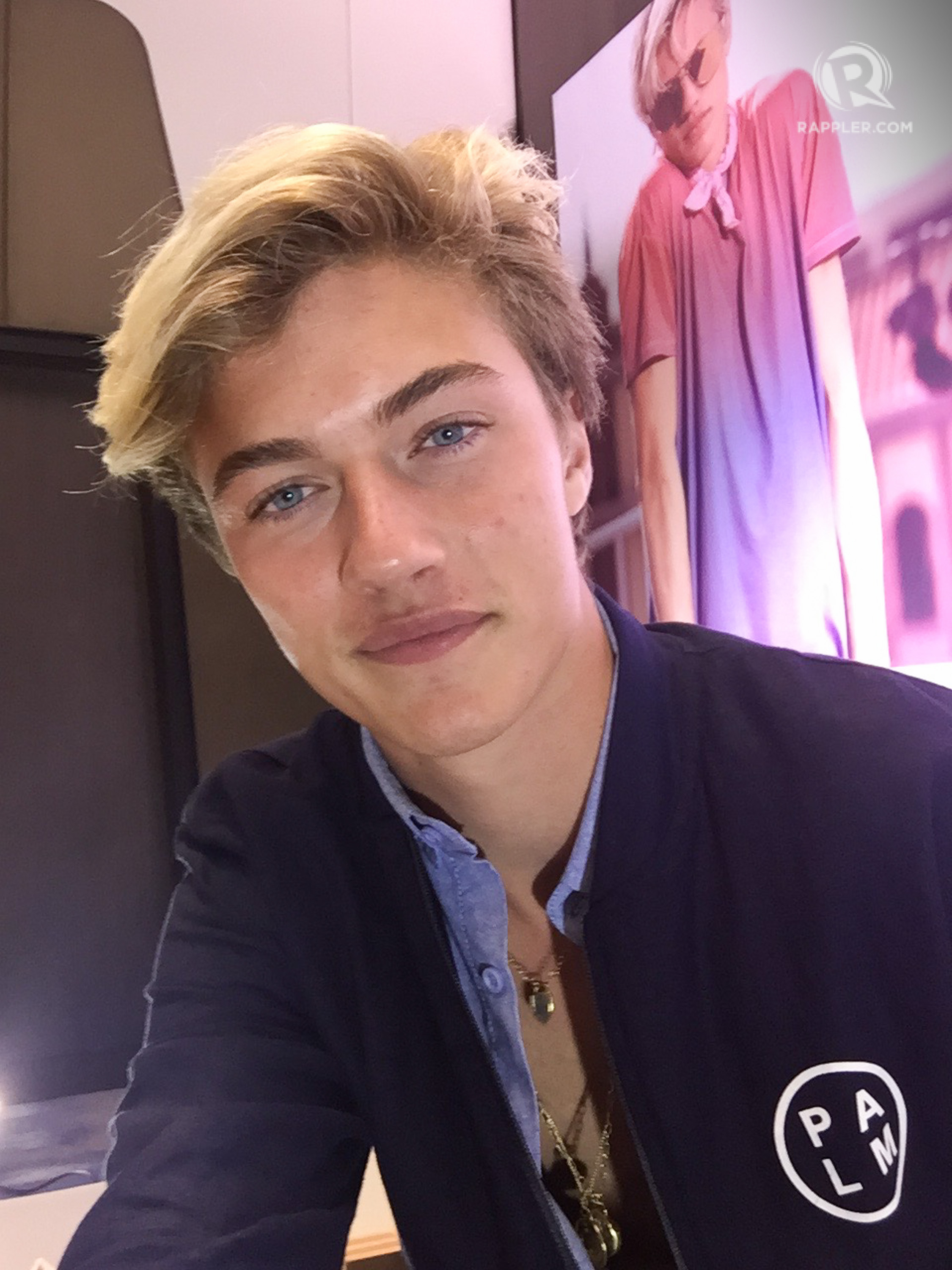 Supermodel Lucky Blue Smith S Top Tip For Taking The Perfect Selfie