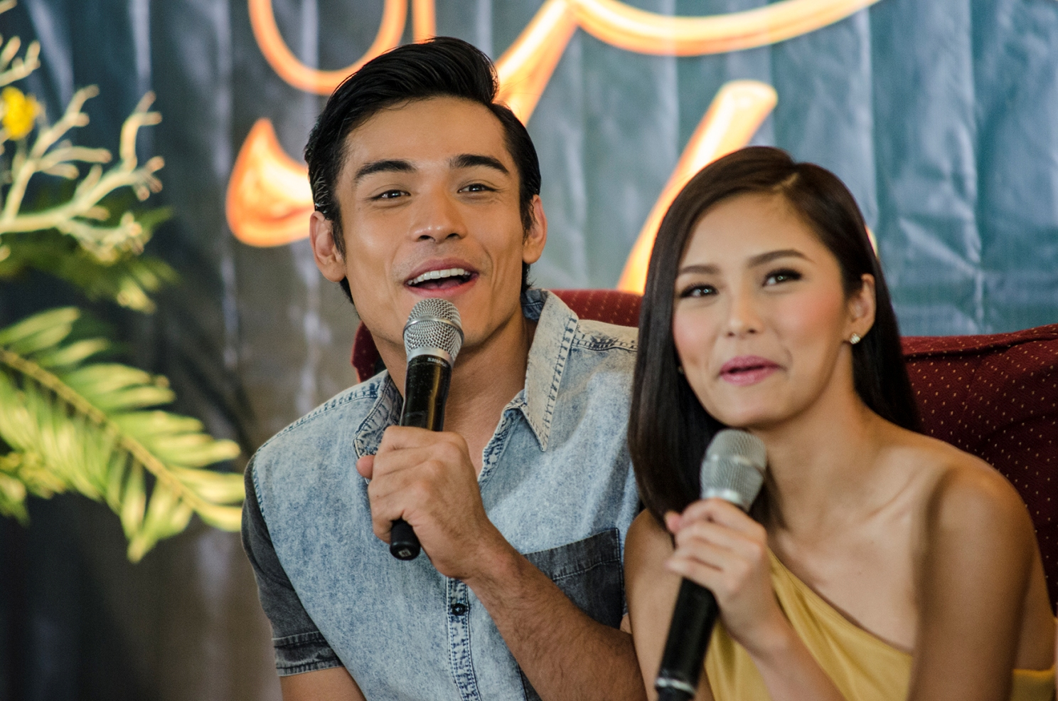 Kim with Xian Lim during the second press conference for 'The Story of Us.' Photo by Rob Reyes/Rappler