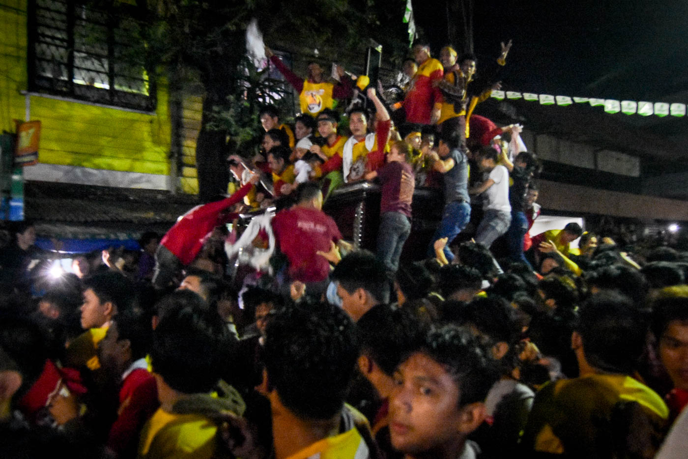 ANDAS. The packed carriage of the Black Nazarene as it breezes through the tight streets of Quiapo.
