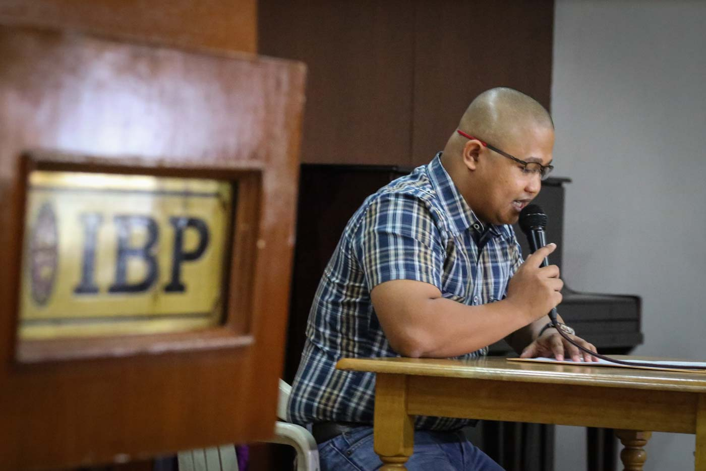 FIRST APPEARANCE. Peter Joemel Advincula aka Bikoy, the hooded man behind the controversial videos linking President Duterte's family to drugs, surfaces at the Integrated Bar of the Philippines on May 6, 2019. Photo by Jire Carreon/Rappler