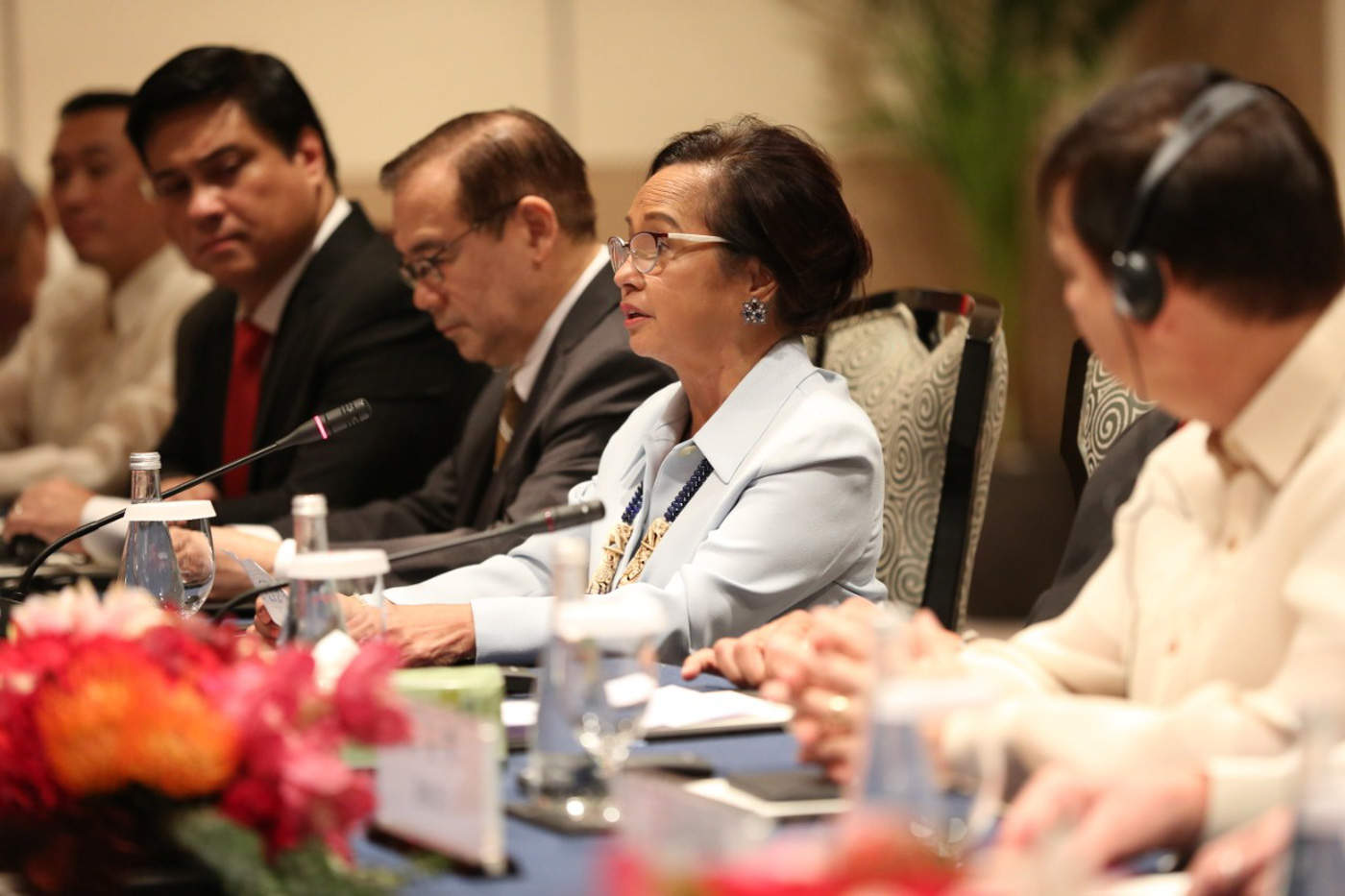 MEETING XI. House Speaker Gloria Macapagal Arroyo joins Congress leaders in a meeting with Chinese President Xi Jinping. Photo courtesy of Arroyo's office