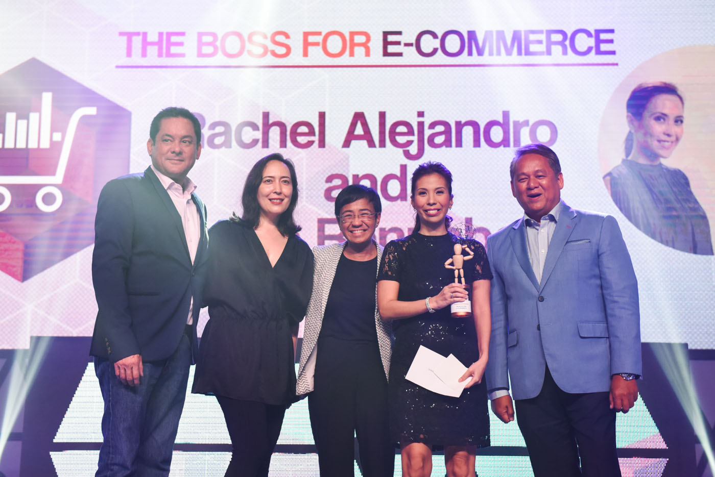 BOSS FOR E-COMMERCE. Barni Rennebeck (with trophy) flanked by some of the #BeTheBoss judges: (L to R) Mitch Locsin, Vice President and Head of PLDT SME Nation, Laura Verallo de Bertotto, CEO of VMV Hypoallergenics, Maria Ressa, CEO and Executive Editor or Rappler.com, and Eric Alberto, Executive Vice President for PLDT