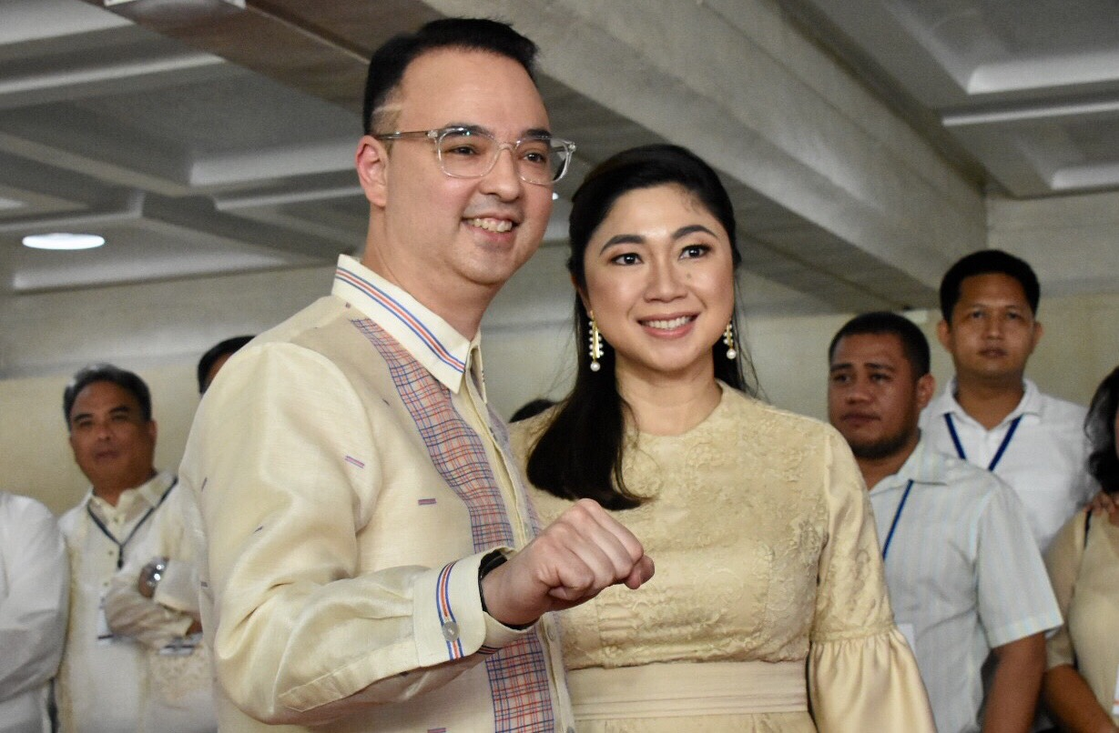 Foreign secretary Alan Peter Cayetano and wife Taguig Mayor Lani Cayetano. Photo by Angie de Silva/Rappler