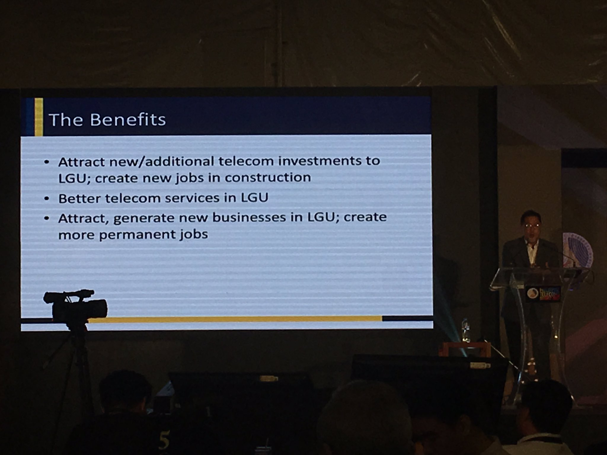 LGU BENEFITS. Photo by Gelo Gonzales/Rappler