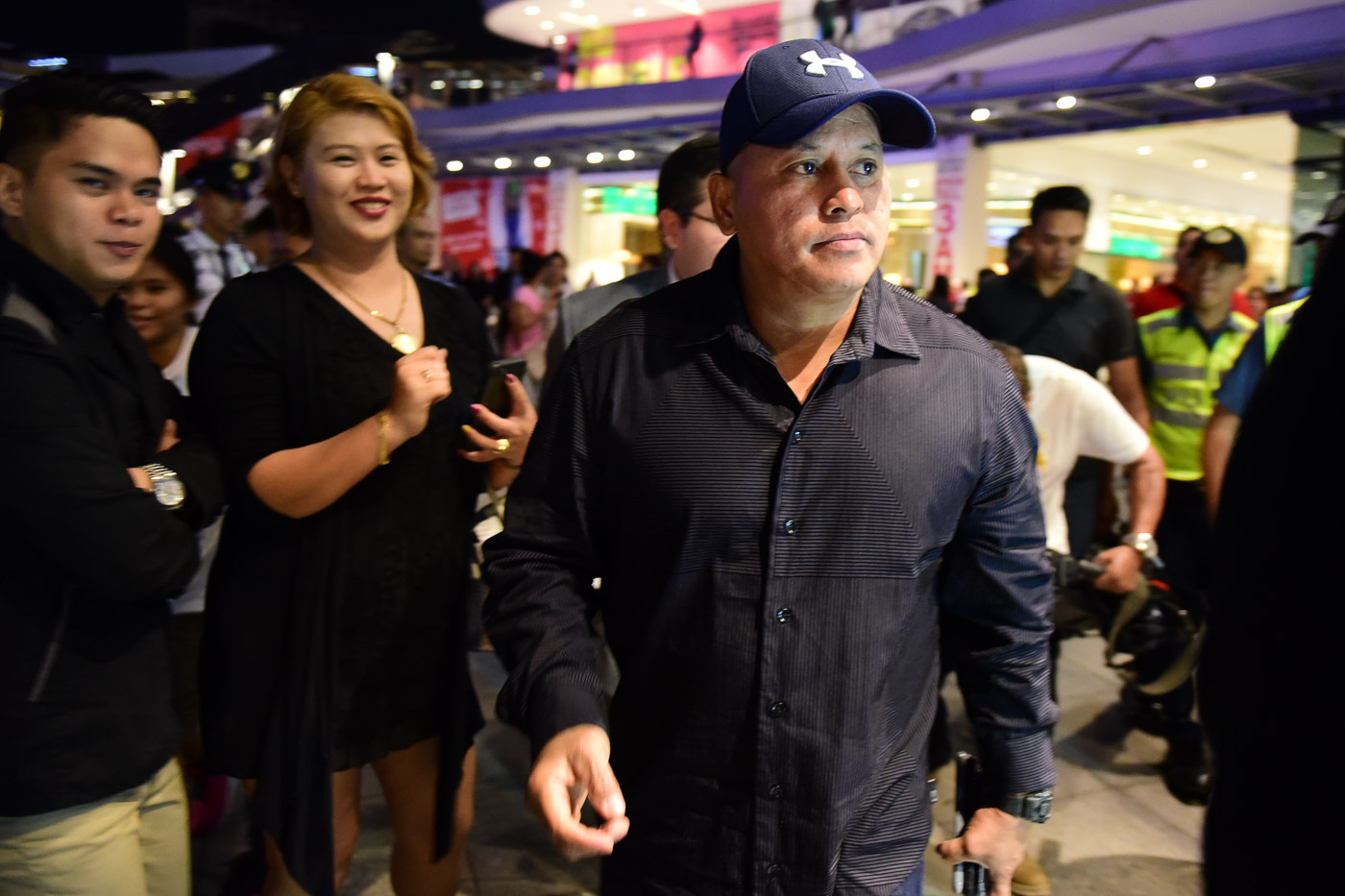 CELEBRITY TOO. Many of those who attended the premiere asked the PNP chief for selfies. All photos by Alecs Ongcal/Rappler