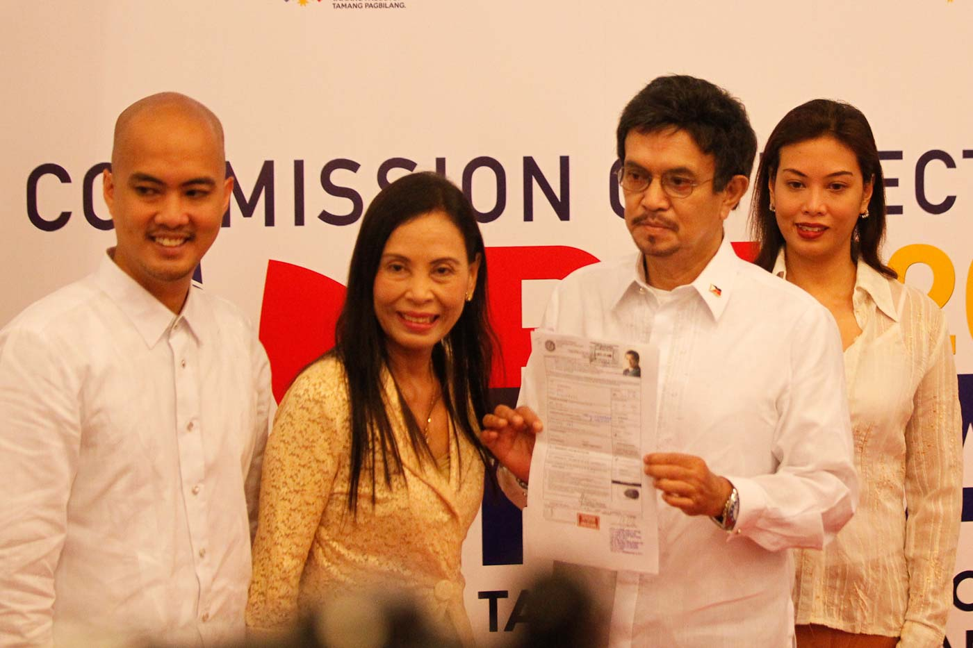 THEN-ASPIRANT. In October 2015, party-list representative Roy Seu00f1eres filed his certificate of candidacy for president. File photo by Czeasar Dancel/Rappler