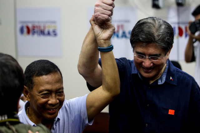 UNA TANDEM. Presidential bet Jejomar Binay and his running mate Gregorio Honasan. Photo by Czeasar Dancel/Rappler