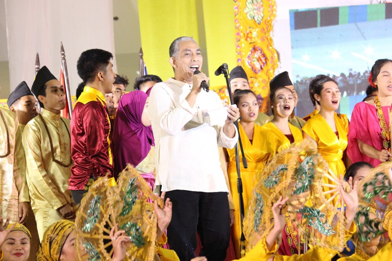 PROUDLY FILIPINO. Filipino artist-singer Joey Ayala performing during the opening ceremony. Photo by Faith Yangyang/ NCCA