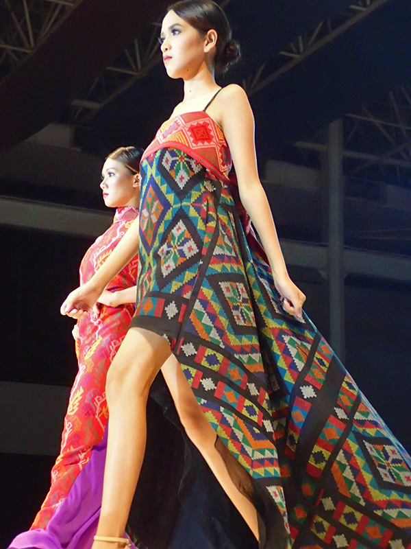 VIBRANT SHAPES. This colorful dress, another design of Saludu2019s, uses indigenous weaves from Muslim Mindanao. Photo by Rhea Claire Madarang/Rappler