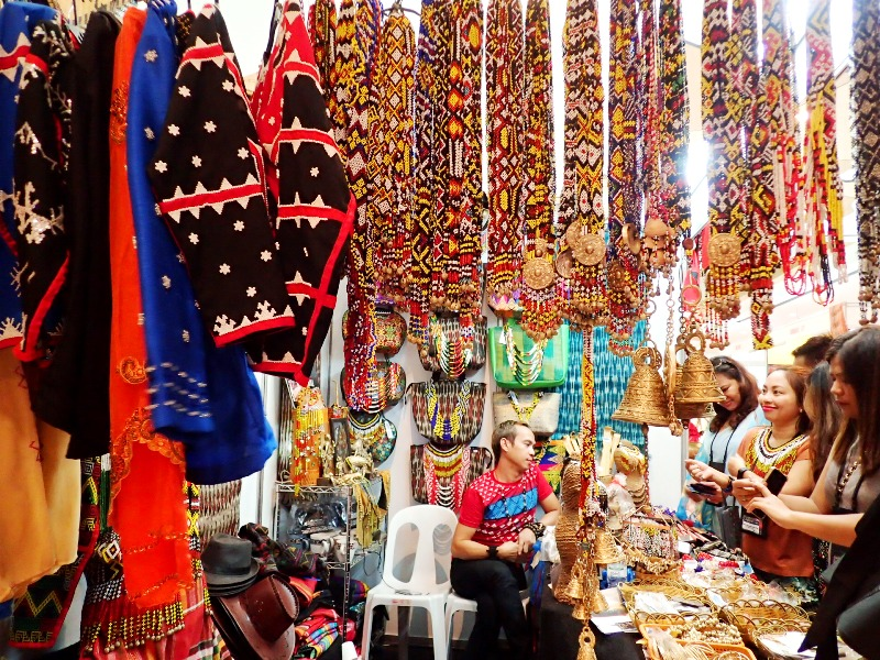 LOCALLY MADE. At the Budayaw travel and trade fair, you can buy indigenous weaves, trinkets, and more. Photo by Rhea Claire Madarang/Rappler