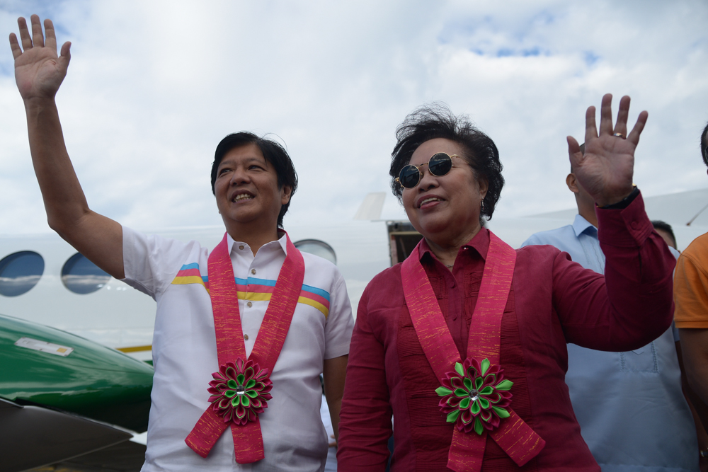 BONGBONG-MIRIAM. 2016 vice-presidential candidate Ferdinand 'Bongbong' Marcos Jr along with presidential candidate Miriam Defensor Santiago officially start their election campaign at Batac, Ilocos Norte on Tuesday, February 9. Photo by Jasmin Dulay/Rappler