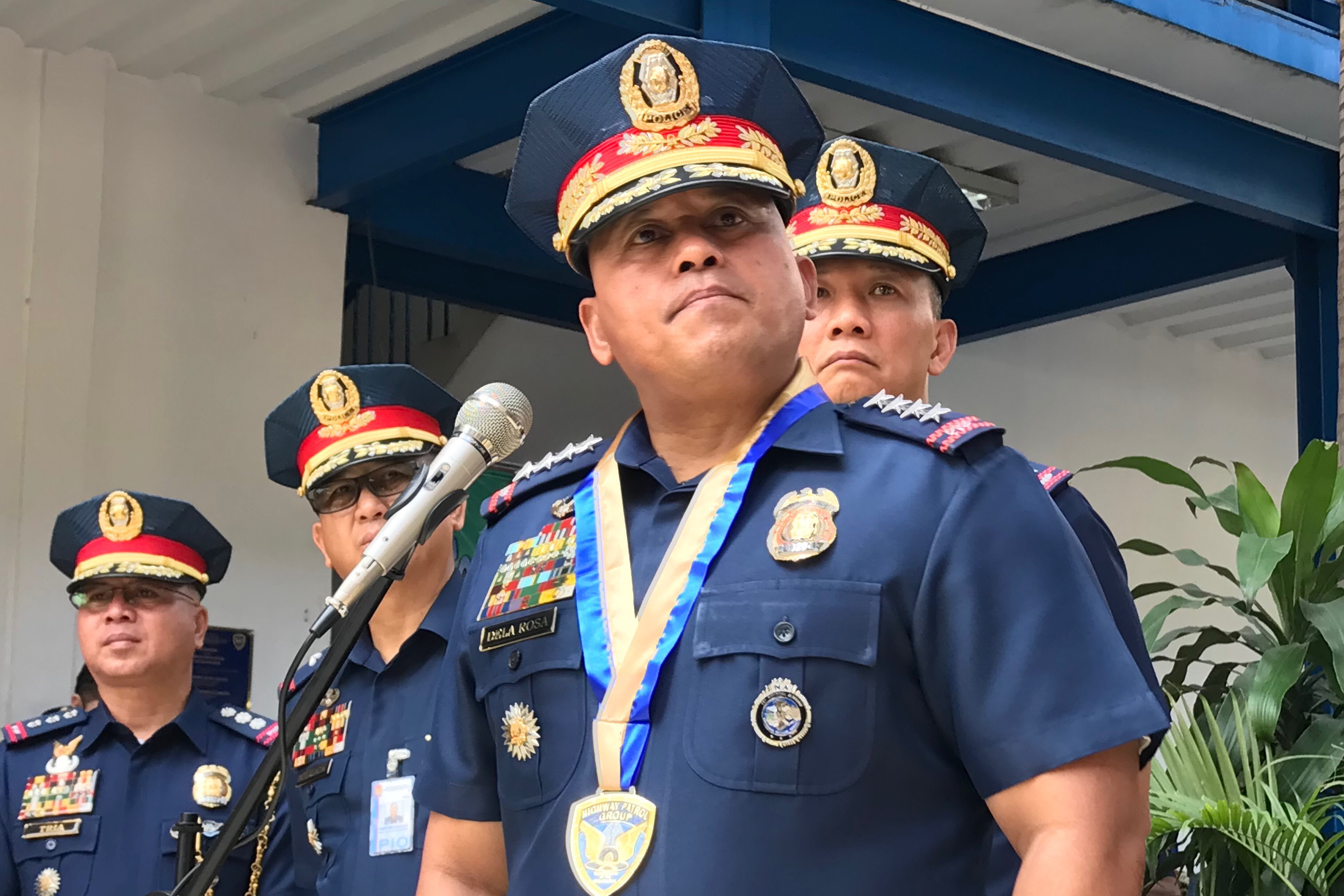 ANGERED. PNP chief Ronald dela Rosa holds a briefing at the PNP Highway Patrol Group headquarters. Photo by Rambo Talabong/Rappler