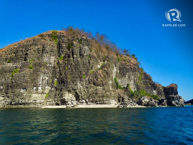 ISLAND HOPPING. Camara is the first stop when you go island hopping from Pundaquit before going to Nagsasa