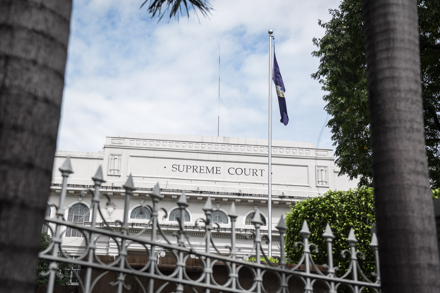 WARNING. The Supreme Court warns against disruptive behavior during the oath taking of new lawyers on June 1, 2018. Photo by Rappler
