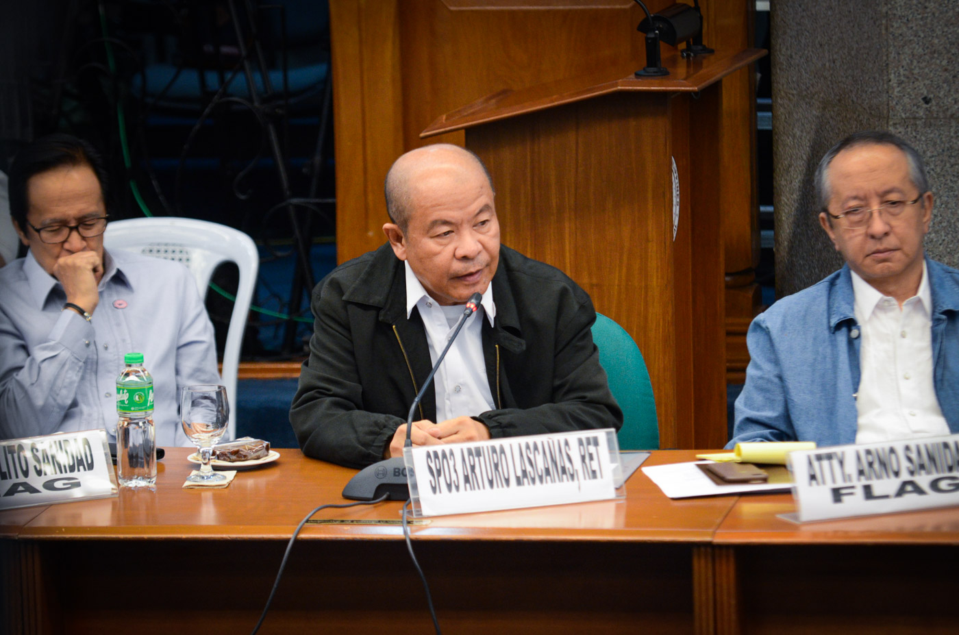 DDS MEMBER? Retired Davao cop Arturo Lascau00f1as during his testimony before the Senate on March 6, 2017. File photo by LeAnne Jazul/Rappler